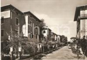 1955 ca GRADO (GO) Scorcio di via Giosuè CARDUCCI *Cartolina FG NV