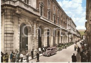 1950 ca L'AQUILA Auto in colonna in Corso Vittorio Emanuele *Cartolina FG NV