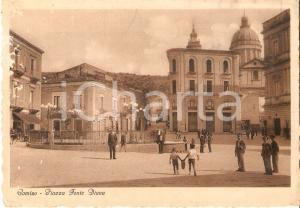 1940 ca COMISO (RG) Bambini con giara in Piazza Fonte Diana *Cartolina FG NV