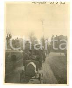 1918 WW1 MONTE GRAPPA / MARIGNOLLE Una colonna di militari *Foto 9x10 cm