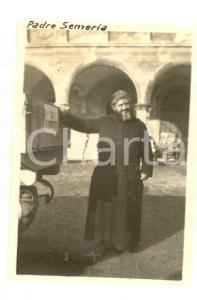 1917 WW1 PASUBIO Padre Giovanni SEMERIA prepara doni per i soldati *Foto 5x7 cm