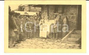 1917 WW1 ZONA DI GUERRA Cappellano militare benedice soldati - Cartolina FP VG