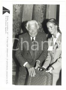 1997 ROMA - FIAT Presidente onorario Gianni AGNELLI prende posto a sedere FOTO