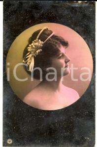 1907 BELLE EPOQUE TEATRO Attrice con cerchio tra i capelli - Cartolina colorata