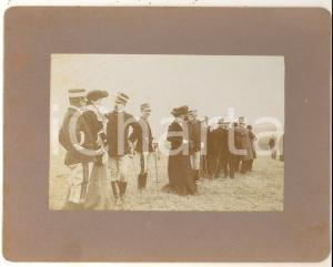 1900 ca IPPICA REGIO ESERCITO Ufficiali giudici in attesa con le mogli - Foto