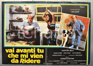 1982 VAI AVANTI TU CHE MI VIEN DA RIDERE Lino BANFI Fotobusta 66x46 cm