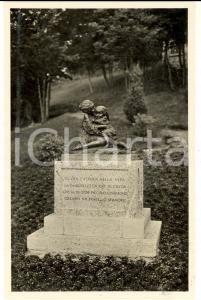 1930 ca VALGANNA Villaggio Alpino - Gruppo scultoreo di AVOGADRI *Cartolina