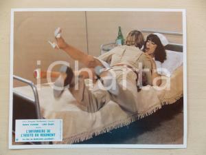 1979 INFERMIERA NELLA CORSIA DEI MILITARI Nadia CASSINI sulla branda *Lobby card