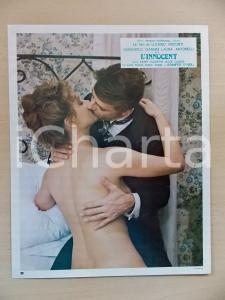 1976 L'INNOCENTE Bacio tra Laura ANTONELLI e Giancarlo GIANNINI *Lobby card