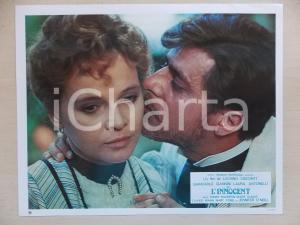 1976 L'INNOCENTE Giancarlo GIANNINI bacia Laura ANTONELLI *Lobby card 29x23 cm