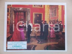 1976 L'INNOCENTE Giancarlo GIANNINI baciamano a Marie DUBOIS Lobby card 29x23 cm