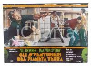 1975 AVVENTURIERI DEL PIANETA TERRA Yul BRINNER Max VON SYDOW *Lobby card 63x45