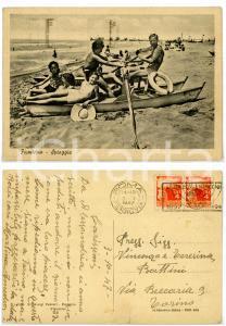 1947 FIUMICINO (ROMA) Famiglia in barca a remi sulla spiaggia *Cartolina FG VG