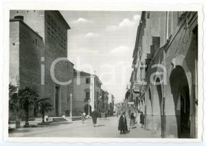 1950 ca PORTOGRUARO (VE) Duomo - Passanti in via Vittorio Emanuele *Cartolina FG