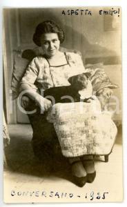 1925 CONVERSANO (BA) Ritratto di donna con il suo cane *Fotografia 7x10 cm