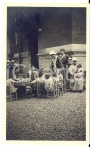 1915 WW1 MILANO Asilo nido di Villa NESSA - Insegnanti e bambini *Foto 7x11 cm