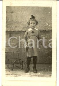 1922 THALMASSING (D) Ritratto di bambina con la seggiola- Foto cartolina