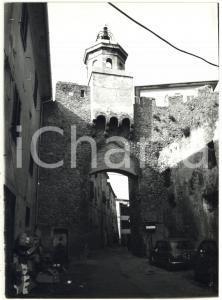 1976 PORTO ERCOLE Piazza Santa Barbara - La porta ogivale *Foto 13x18 cm