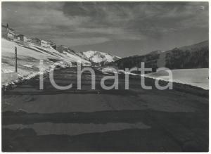 1977 CAMPO STAFFI (FR) Veduta del MONTE VIGLIO dalla strada *Foto 18x13 cm