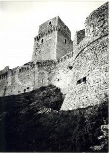 1977 ASSISI Rocca Maggiore - Scorcio dal basso della torre quadrata *Foto 13x18