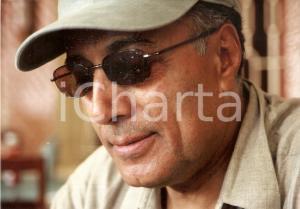 2001 CINEMA Abbas KIAROSTAMI Portrait on set of ABC AFRICA *Photo