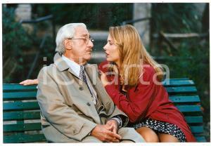 1998 INCONTRI PROIBITI Alberto SORDI Valeria MARINI seduti su una panchina *Foto