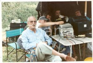 1999 GRAZIE DI TUTTO Nino MANFREDI al video assist con il figlio Luca Foto 19x12