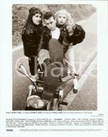 1990 CRY-BABY Johnny DEPP on motorbike with Kim McGUIRE and Traci LORDS *Photo