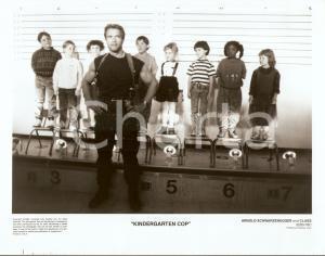 1990 KINDERGARTEN COP Arnold SCHWARZENEGGER Identity parade with children *Foto