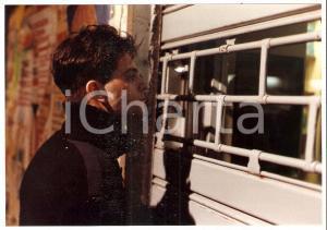 1990 I TARASSACHI Matteo CHIOATTO in una scena del film *Foto 18x12 cm