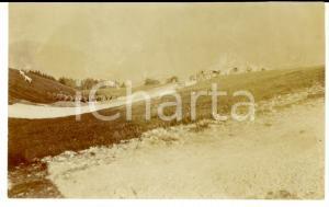 1916 WW1 ZONA DI GUERRA Battaglione e automezzi in pascolo di montagna FOTO 12x9