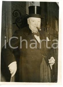 1956 LONDON Downing Street - Sir Winston CHURCHILL with cigar and top-hat *Photo
