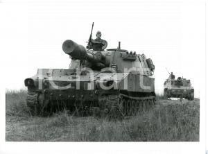 1990 ca ESERCITO ITALIANO Semovente d'artiglieria M109 durante esercitazione