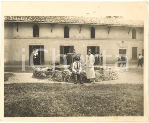 1925 ALPE TURATI Escursionisti presso Albergo LA SALUTE (1) - Foto 12x10 cm