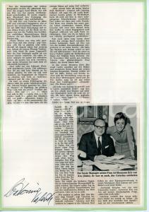 1955 ca COSTUME Caterina VALENTE - Collage *AUTOGRAFO su cartoncino 21x29 cm