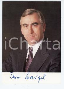 1990 ca GERMANIA Ritratto del politico Theo WAIGEL - Foto seriale con AUTOGRAFO
