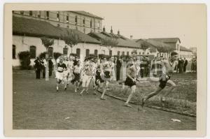 1940 ca TORINO LITTORIALI ATLETICA Giovani durante gara di mezzofondo *Foto