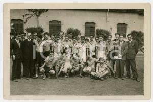 1940 ca TORINO LITTORIALI SPORT Giovani atleti con allenatori - Foto 18x13 (4)