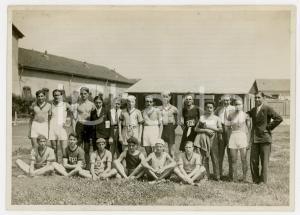 1940 ca TORINO LITTORIALI SPORT Atleti con allenatore e giornalista - Foto