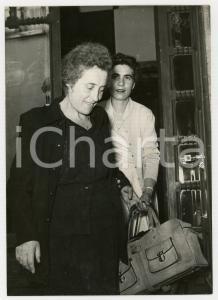 1953 ROMA - DELITTO DI ENTRÈVES - Madre e sorella dell'imputata Jolanda BERGAMO