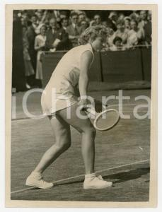 1955 LONDON WIMBLEDON - Lea PERICOLI in a doubles match against USA team *Photo