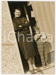 1959 SAN DONATO MILANESE - Omicidio Giulio MASSARO - Ritratto della cartolaia