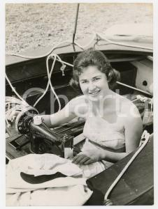 1957 BRIGHTON SAILING CLUB - Girl doing emergency jobs on boat during yacht-race