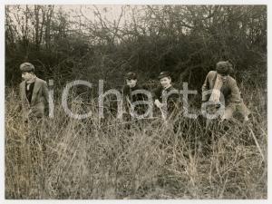 1958 NOMANSLAND COMMON - Schoolboys looking for missing girl Ann NOBLETT *Photo