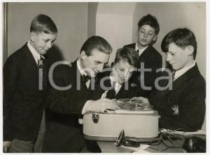 1957 LONDON Royal Albert Hall - Sir John BARBIROLLI with schoolboy musicians