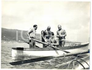 1957 ALBENGA - ISOLA GALLINARA Sommozzatori con tute PIRELLI *Fotografia 24x18