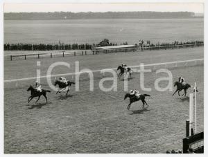 1960 NEWMARKET ENGLAND 1000 Guineas Stakes IPPICA - Passaggio della gara *Foto