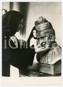 1959 TORINO Convento FIGLIE DI GESÙ RE - Suora cieca con busto di Luigi BOCCARDO