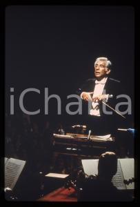 35mm vintage slide* 1980ca MUSICA Leonard BERNSTEIN dirige l'orchestra (1)