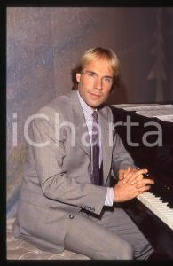 35mm vintage slide*1982 MUSICA Richard CLAYDERMAN concerto in salotto privato 5